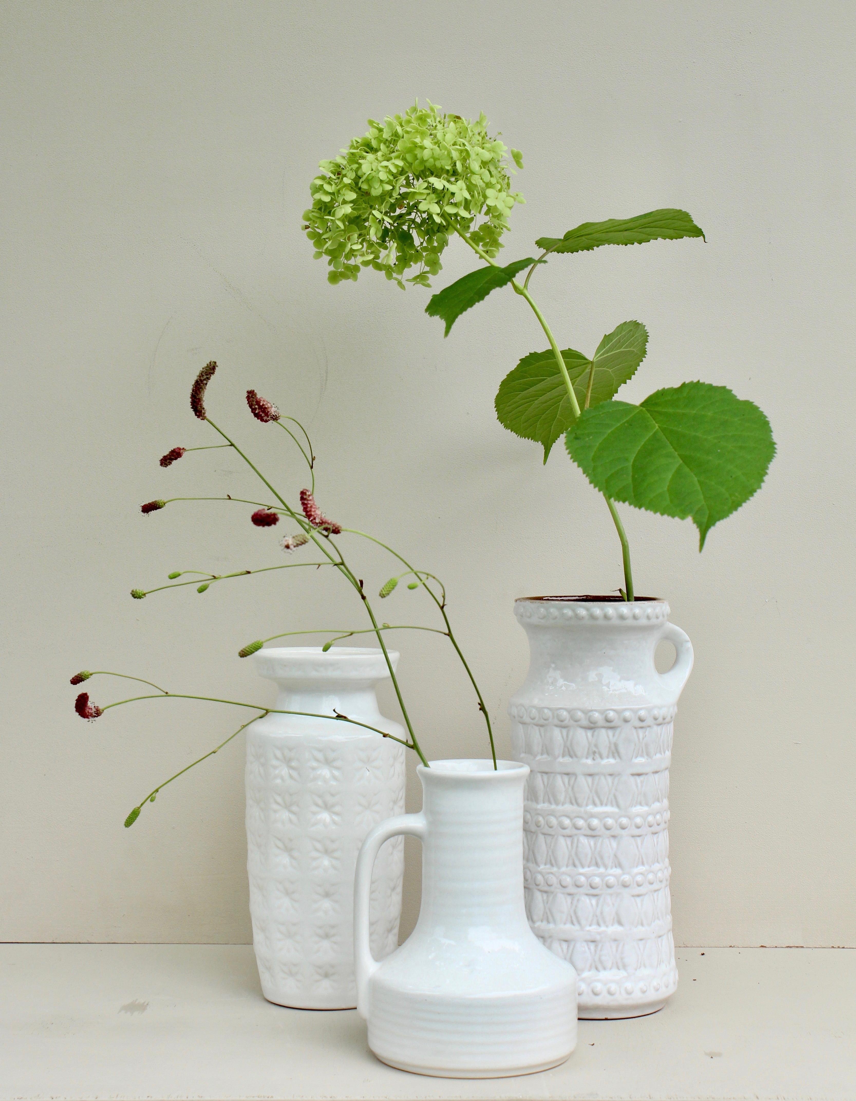 groep vintage witte vazen