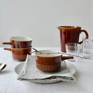 vintage soepkommen bruin met kan sfeer