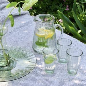 Waterkaraf van gerecycled glas
