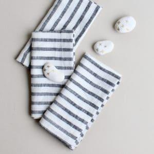 linnen servet zwart-wit gestreept