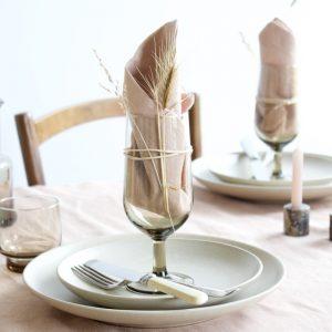 Linnen servet en tafelkleed in kleur glaze