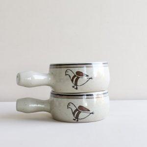 vintage soepkom met vogel illustratie