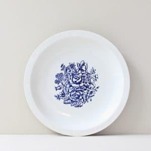 vintage dinerbord met blauwe bloemen