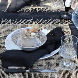 Tafeldekken met zwart linnen