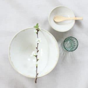 Handgemaakte kommen van keramiek
