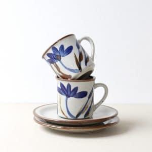 vintage kop en schotel met blauw bloem