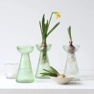 bollen vaasje van groen glas